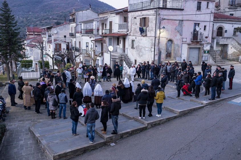 Cirigliano (MT) during the Carnival / un momento del Carnevale