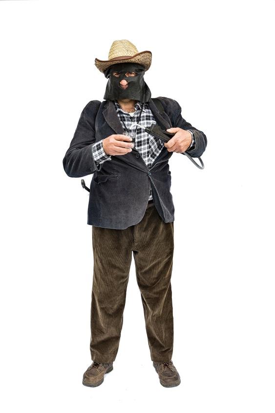 Teana (PZ). A Mask / una maschera